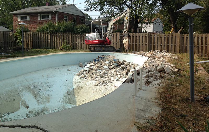 Carroll Bros. Contracting Foreclosure Pool Removal Before Shot