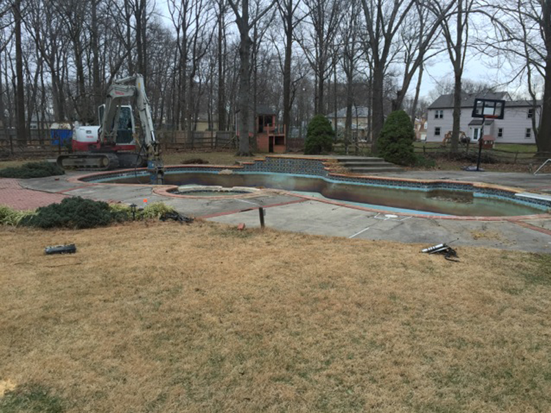 Burtonsville Pool removal Before Pool
